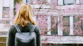 大学生はアルバイトをするよりブログで稼ぐ方が良い?